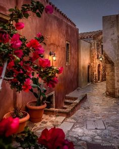 Inspiration for the good life🌹🍃 Inspiration by March 2019 LOCATION Founder Photo… Wonderful Places, Beautiful Places, Happy Evening, Cool Pictures, Beautiful Pictures, Bon Plan Voyage, Greece Pictures, Destinations, Wholesale Home Decor