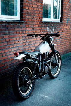 Yamaha XT 500 - The WRENCHMONKEES - Bientôt une par Neverthelens X Darwin Custom