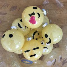 DIY Emoji Christmas
