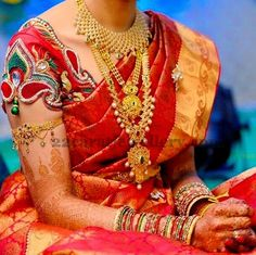 Bride in Uncut Antique Long Sets | Jewellery Designs