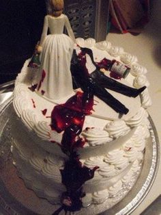 """Photo by Having a divorce party? This divorce cake not only gives new meaning to """"until death do us part,"""" but is also a grea. Large Wedding Cakes, Creative Wedding Cakes, Bolo Zumba, Zombie Wedding Cakes, Scary Cakes, Divorce Party, Divorce Cakes, Gift Cake, Halloween Cakes"""