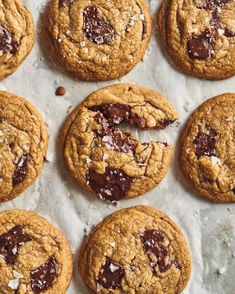 coffee chocolate chip cookies on a baking sheet Chocolate Coffee, Melting Chocolate, Chocolate Lovers, Cookie Recipes, Dessert Recipes, Desserts, Baking Recipes, Dessert Ideas, Easy Meals For One
