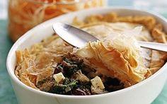 Oksekødspie med ost og oliven Lækker sprødt låg til kød og grønsager.