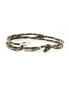 Chasing Fin - Adjustable Fish Hook Bracelet - Camouflage https://www.countryoutfitter.com/products/86714-adjustable-fish-hook-bracelet-camouflage