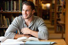 Fachwissen und Kompetenzen lassen sich auch durch selbstständige Weiterbildung ausbauen: Mit einem Studium Generale an deutschen Universitäten und Hochschulen...