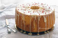 FacebookTwitterGoogle+Pinterest La tua chiffon cake è la torta più buona del mondo. Questa è la frase che mi dice sempre un il mio carissimo amico Roberto che da quando l'ha assaggiata, se la litiga con i figli.La chiffon cake, la preparo spessissimo a casa per garantire le prime colazioni ai miei e mi diverto anche...Read More »