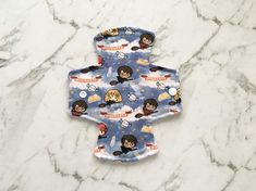 """8"""" Reusable cloth sanitary pad. Suitable for a light flow or as a back-up to a menstrual cup/tampon. Cotton top Inner layer of flannel Soft shell fleece backed (leak resistant) Gusset is around 2.5 inches when snapped Feel free to ask me to add an extra snap for a wider gusset (can be adjusted Reusable Menstrual Pads, Menstrual Cup, Mama Cloth, Sanitary Napkin, Cloth Pads, Fabric Softener, Scarlet, Flannel, Flow"""