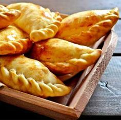 How to Baked Turkey Empanadas full recipe must try it Argentina Food, Argentina Recipes, Beef Empanadas, Spanish Empanadas, Mexican Empanadas, Baked Turkey, Latin Food, Mexican Food Recipes, Tapas