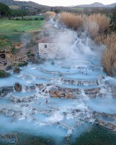 Hot springs in Toscana, Italy 🇮🇹 Photo by 🌎🌍🌏 Dream Vacations, Vacation Spots, Places To Travel, Places To See, Magic Places, Places In Italy, Voyage Europe, Destination Voyage, Hot Springs