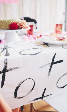 Make Your Own Graphic But Sweet Table Linens