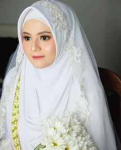 Muslimah Wedding Dress, Hijab Style Dress, Muslim Wedding Dresses, Wedding Dress With Veil, Muslim Brides, Bridesmaid Dresses, Muslim Gown, Muslim Couples, Foto Wedding