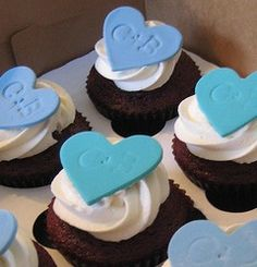 Wedding Cupcakes! I had a Bride do this design for Valentine's Day last year and they were fantastic!