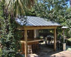 Ideas Backyard Bar Shed Tiki Hut Outdoor Tiki Bar, Outdoor Grill Area, Outdoor Kitchen Bars, Outdoor Bars, Rustic Outdoor Bar, Rustic Outdoor Kitchens, Outdoor Walkway, Bar Kitchen, Backyard Bar