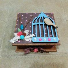 caja de madera decorada hecho con el