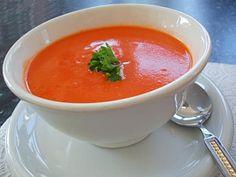 Sopa de Tomate da Lapinha SPA | ½ colh (chá) alho batido, 1 cebola, 1 colh (sopa) óleo de coco, 10 tomates (médios) inteiros e lavados (ou 1kg), 1 pedaço pequeno de abóbora, 1 colh (sopa) orégano, 2 colh (chá) sal, 1 colh (cafezinho) alecrim, 2 xíc (chá) água | #sopa
