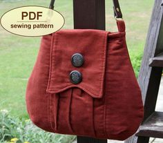 Bag pattern....if I did this I'd take the buttons off & add a bow...different color too....vintage pink....black bow?