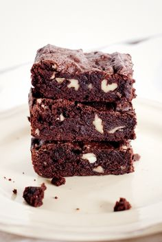 Variations on a Theme ~ Praline Brownies » thelittlewhitekitchen.com