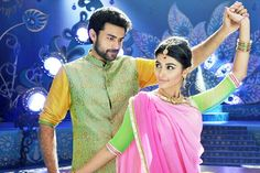 Mukunda Movie Review. http://www.cinesprint.com/tollywood/reviews/2346-mukunda-movie-review.html  The story of Mukunda is about a young guy Mukunda (Varuntej) who completes his studies and is in the preparation of Civil Services. He is highly interested in all the social activities in his village and he leads the helping hand for his friends who are in troubles.