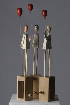 Love these figures. Creations in Wood Kinetic Art, Paperclay, Wood Toys, Wire Art, Altered Art, Art Lessons, Sculpture Art, Art Dolls, Paper Art