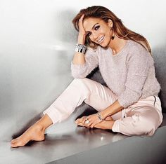 Image via We Heart It https://weheartit.com/entry/148565229/via/23962008 #JenniferLopez