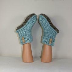 2 Button Super Chunky Slipper Boots Knitting pattern by madmonkeyknits | Knitting Patterns | LoveKnitting Knit Slippers Free Pattern, Crochet Slipper Pattern, Knitted Slippers, Addi Knitting Machine, Knitting Socks, Usa Shoes, Super Chunky Yarn, Chunky Crochet, Crochet Baby