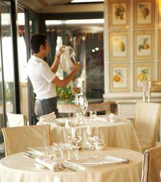 Taormina hotel restaurant tables