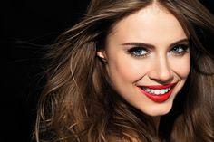 Beauty Geschenkidee: SWISS SMILE GLORIOUS LIPS OXYGEN BOOSTER  Zur #Verlosung: http://www.fashionpaper.ch/beauty/beauty-geschenkidee-swiss-smile-glorious-lips-oxygen-booster/  #gewinnspiel #swisssmile #geschenkidee #weihnachtsgeschenk #wettbewerb #beauty #haut #lips #mund #zähne #gewinnen