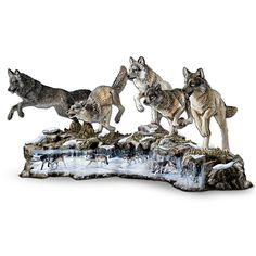 Al Agnew Panoramic Wolf Figurine Collection Native American Decor, Sculptures, Lion Sculpture, Fantasy Wolf, Wolf Stuff, Wolf Spirit, Beautiful Fairies, Clay Figures, Collectible Figurines