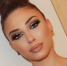 21 best makeup models - 1 Makeup is an application made with the help of cosmetic products to make a woman feel better. The make-up, which has an impo. Mac Makeup Looks, Best Mac Makeup, Flawless Makeup, Gorgeous Makeup, Love Makeup, Simple Makeup, Makeup Inspo, Makeup Inspiration, Best Makeup Products