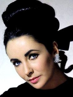The beautiful Elizabeth Taylor,in color.