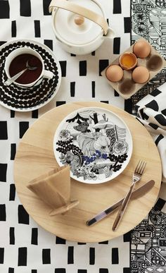 To celebrate the Finland, Marimekko launched a pattern entitled Veljekset (brothers) created by Maija Louekari, one of Marimekko's younger generation print designers. The design was inspired by Finnish folk tales and it depicts wildlife inhab Marimekko, Vase Deco, Table Design, Deco Design, Salad Plates, Teller, Serving Platters, Home Decor Items, Interior Styling