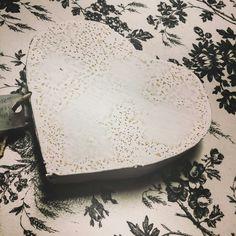 Antiqued white chalk paint metal heart. Super cute inside or outside! Only $7.95 #unique #upcycle #Boutique #leaguecity #diy #chalkpaint #cute #summer #fleamarketflip #DIY