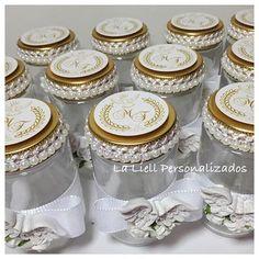 Potinhos de vidros pra Batizado#batizado #ideiascriativas #ideias #inspiracao #infantil #instafestas #lembrancinhas #anjinha #garimpandolembrancas #dentrodafesta #encontrandoideias #pontoaponto