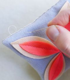 Corinne's Thread: Felt Flower Sachets - The Purl Bee - Knitting Crochet Sewing Embroidery Crafts Patterns and Ideas!