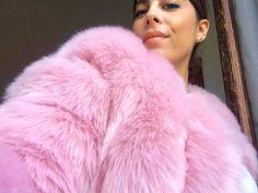 Fox Fur Coat, Fur Coats, Fur Fashion, Womens Fashion, Fur Clothing, Africa Dress, Coats For Women, Pink Purple, Feathers