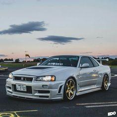 Nissan skyline GTR34