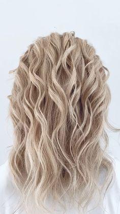 Medium Hair Styles, Curly Hair Styles, Hair Styles For Prom, Hair Updos For Medium Hair, Short Hair Updo Easy, Hair Upstyles, Great Hair, Hair Today, Hair Videos