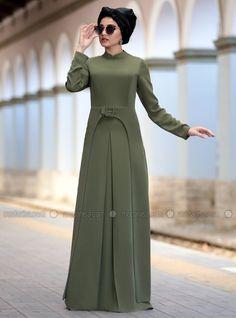 Mirza Elbise - Haki - Piennar Abaya Fashion, Fashion Wear, Modest Fashion, Fashion Dresses, Modest Dresses, Modest Outfits, Simple Dresses, Moslem Fashion, Modele Hijab