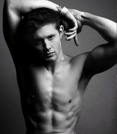 I remember Jensen Ackles from his soap opera days (makes me feel old haha), but he's awesome on Supernatural. And whoever put this pic up on the internet for me to find is an awesome, awesome person.