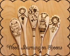 Fall is in the air, and baking is on the agenda--Spice up your most basic of kitchen accessories, the wooden spoon, with some cute detailing brought to you by your creativity and a wood burning tool. Wood Burning Insert, Wood Burning Tool, Wood Burning Fires, Wood Burning Stencils, Wood Burning Patterns, Rustic Crafts, Wooden Crafts, Discount Craft Supplies, Christmas Gift Decorations
