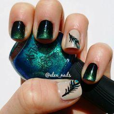 Peacock nails @alex_nails
