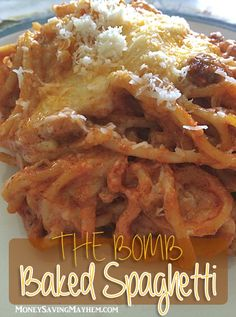 The BOMB Baked Spaghetti Recipe (Spaghetti Recipes Baked) Casserole Spaghetti, Baked Spaghetti, Spaghetti Recipes, Pasta Recipes, Beef Recipes, Spaghetti Squash, Dinner Recipes, Cooking Recipes, Healthy Recipes