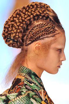 images of alienesk fashion | alexander mcqueen # paris fashion week # aliens # futuristic fashion