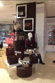 38 Best Handbag Display Images Dekoration Shop Windows Store Design