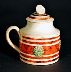 An English Staffordshire Pottery Mocha Mustard Pot & Cover, Circa 1790-1800.