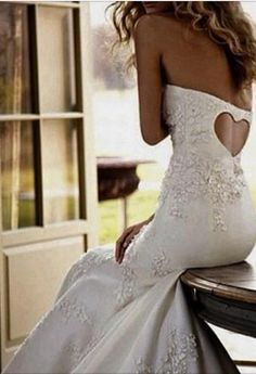 Wedding Dress Idea. Love the back