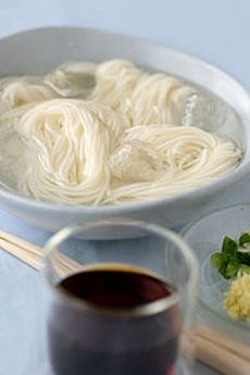 Japanese Summer Food [Somen (Sōmen, fine white noodles) ] simple and yummy~ xD #Japan