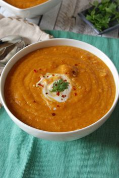 Moroccan Carrot Red Lentil Soup by acedarspoon: packed full of the flavors of cumin, turmeric, coriander, paprika and cinnamon that complements the red lentils and carrots and creates a creamy, filling soup. #Soup #Carrot #Lentil
