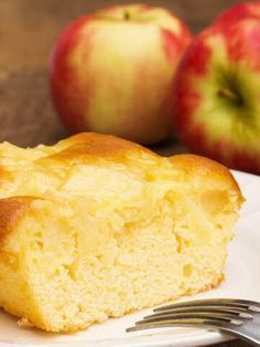 Recept Appelcake: will actually the apple stay more or less on top? Köstliche Desserts, Dessert Recipes, Baking Recipes, Cookie Recipes, Brownie Cake, Cake Cookies, No Bake Cake, Love Food, Sweet Recipes