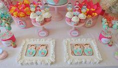 Olá a todos! Hoje vou mostrar-vos as fotos de uma mesa de doces que fiz há uns tempos para a filha da minha talentosa amiga Patrícia, don...